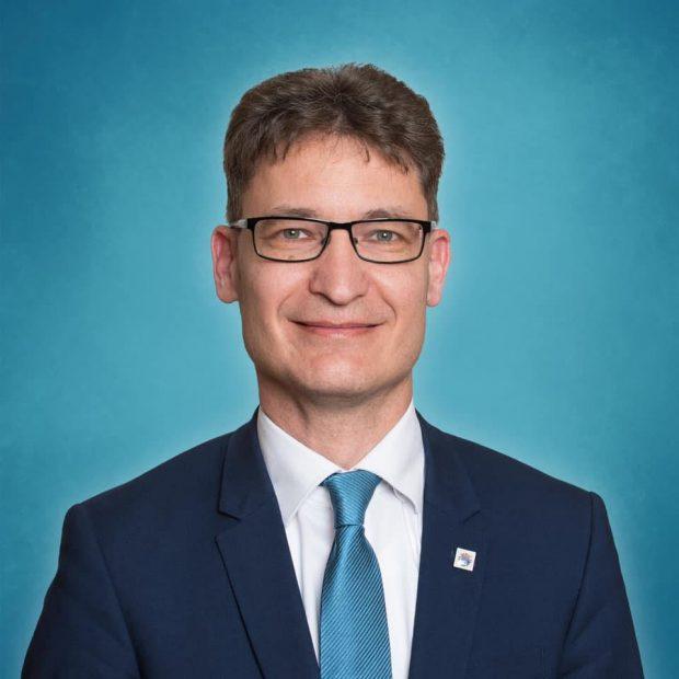 Cser-Palkovics Andás